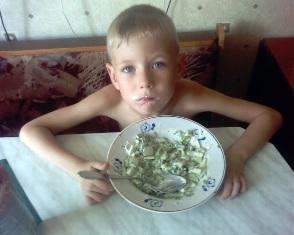 Застольные тонкости: как привить ребенку правила поведения за едой? Фото из фотостены