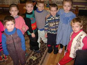 В России  стало меньше детей-сирот