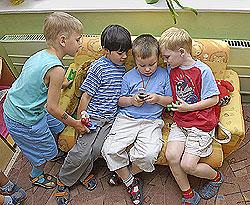 Многодетные семьи смогут открыть свой детский сад на дому