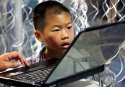 Китайские дети все больше погружаются в Интернет