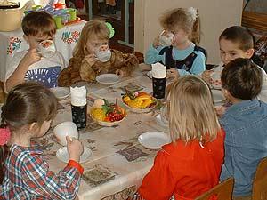 """Кризис """"отобрал"""" у детей в детском саду ужин"""