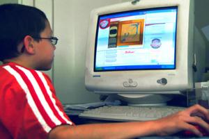 Дети хотят, чтобы родители контролировали использование ими Интернета