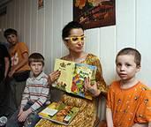 Известные мамы помогают детям