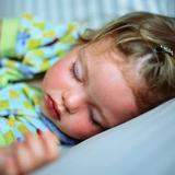 Ученые сделали вывод, что дети на самом деле быстрее растут во сне