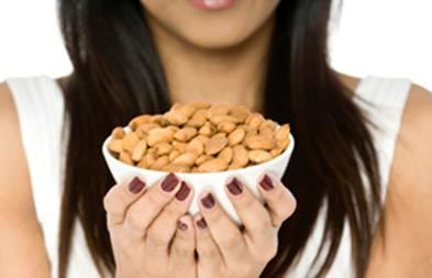 Орехи могут стать причиной аллергии у детей