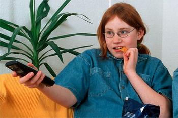 Дети, в спальне которых стоит телевизор, испытывают проблемы с весом
