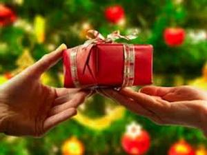 Жители Курска отправят более 5 тысяч новогодних подарков для детей Донбасса