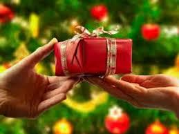 Жители России собирают новогодние подарки для детей Новороссии
