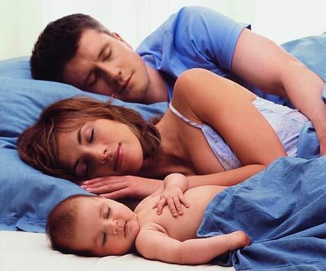 У детей, спящих с родителями в одной кровати, чаще возникает астма