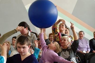 Дети-сироты и дети-инвалиды познакомятся в Петербурге совместной акции
