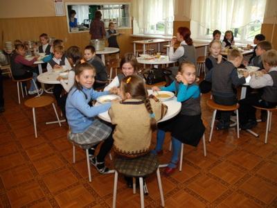 Кроме знаний нижегородских школьников ждет деликатесное меню
