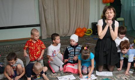 """Фонд """"Счастье детям"""" вместе с актрисой Ольгой Редько подарили сказку"""