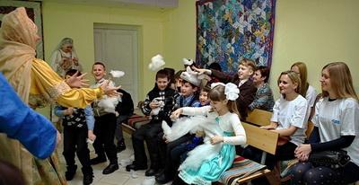 Поверили в сказку: взрослые и дети в новогодней мастерской
