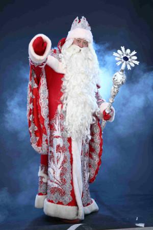 Цирк Деда Мороза открывает третий сезон