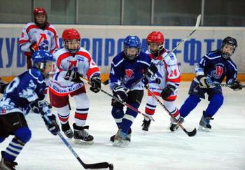 Детский турнир по хоккею с шайбой стартовал в столице Татарстана