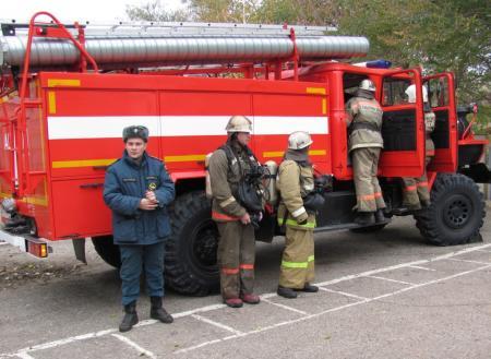 Пожарные учения для детей провели рязанские спасатели