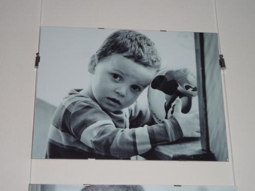 В Улан-Удэ продолжается фотовыставка детей-сирот