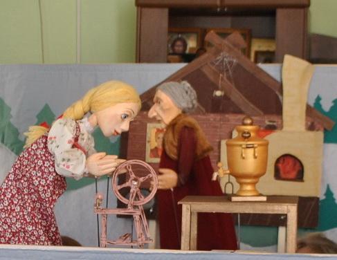 """В Калязинском детском доме побывал волонтерский кукольный театр """"Детский мир"""""""