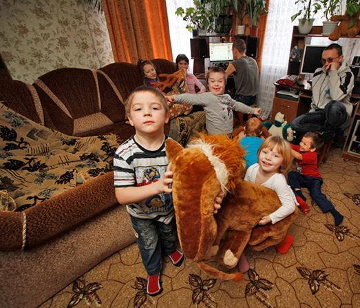 Органы опеки будут более контролировать семьи с приемными детьми