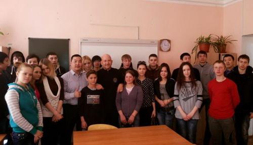 Дети в Якутске встретились с мастером боевых искусств из Швеции\