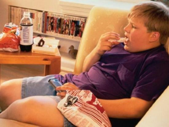 Детей может доводить до ожирения телевизор