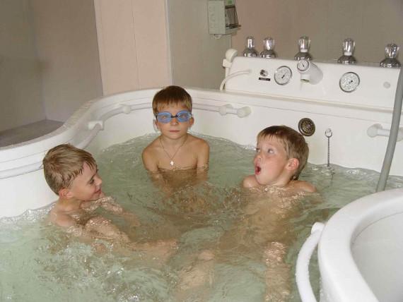 """""""Два Пеликана"""" помогут вам с выбором гидромассажной ванны"""