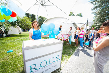 Бренд R.O.C.S. научил детей чистить зубы на фестивале в парке искусств МУЗЕОН