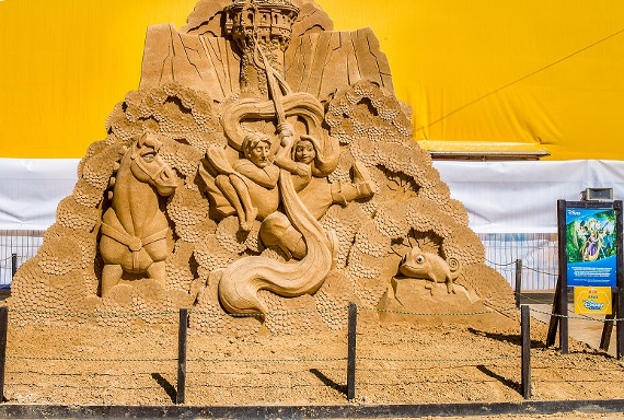 Песчаные скульптуры героев Disney в Коломенском