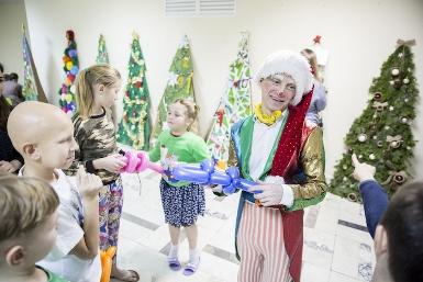 """Новогодняя образовательно-развлекательная программа для детей """"Доброе сердце"""""""