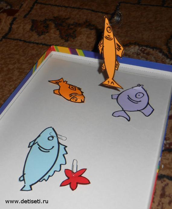 Как сделать детскую рыбалку из подручных материалов?