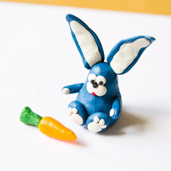Сделайте морковку для зайчика