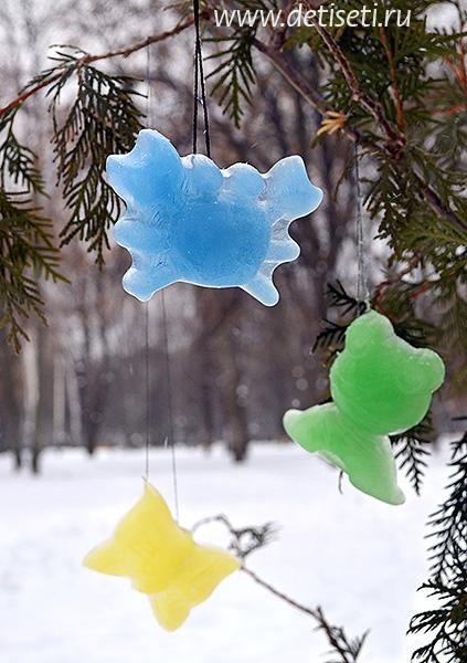 Игрушки изо льда