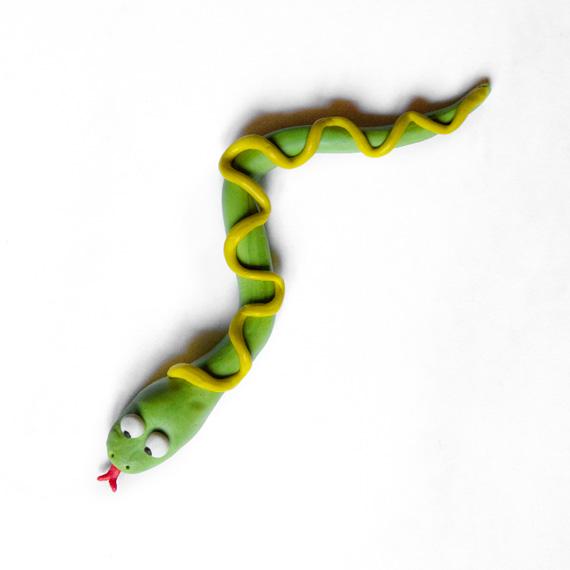 Сформируйте узор на спине змейки